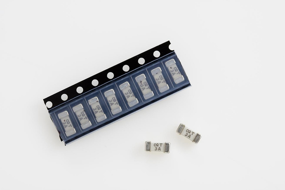 FCM-1.6A SMD FUSE - FAST-ACTING 6125 SIZE (2.7 x 6.1 mm) CERAMIC BODY