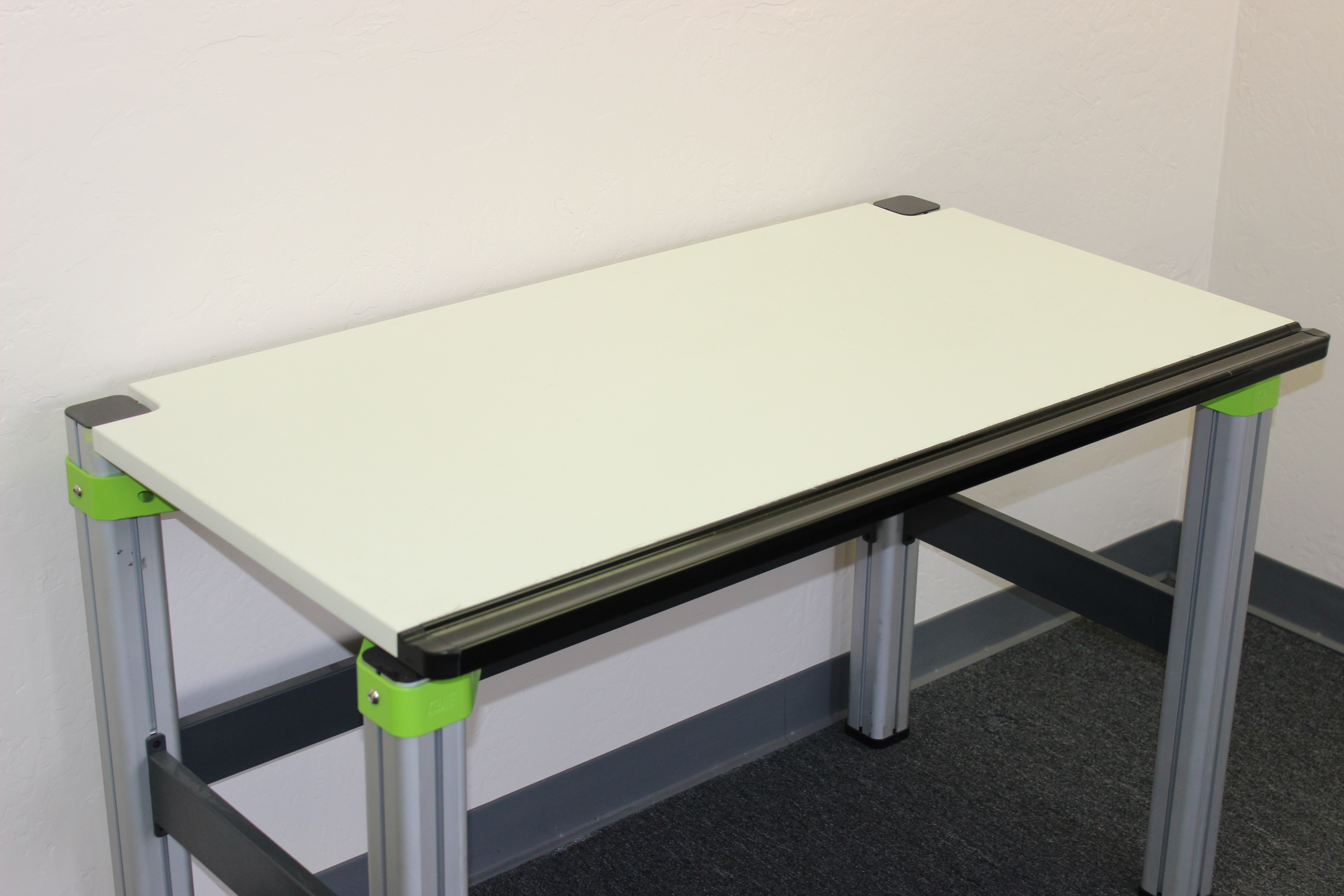 4 ft Electronics Workbench with Aluminum Extruded Legs