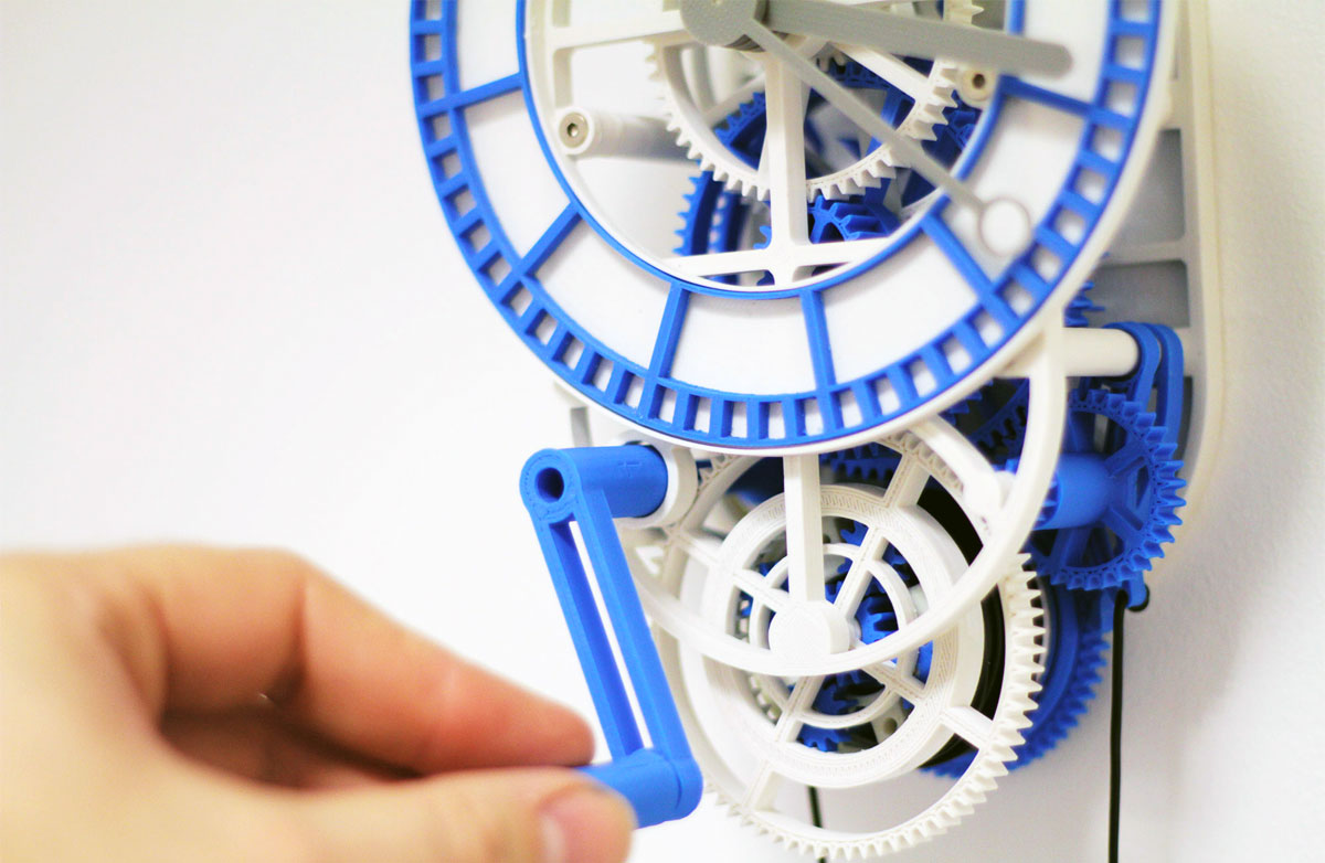 Mechanical clock created with parts printed with the Robox